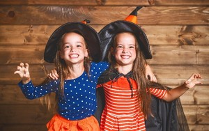 5 Cost-Friendly Costumes for Halloween